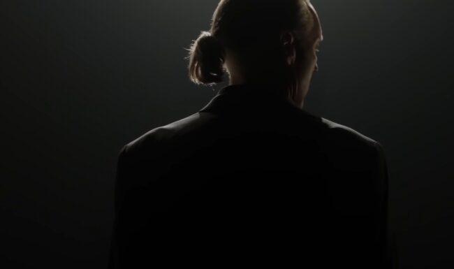 """Cobra Kai saison 4 : un méchant culte de Karate Kid de retour, une """"véritable douleur"""" teasée"""