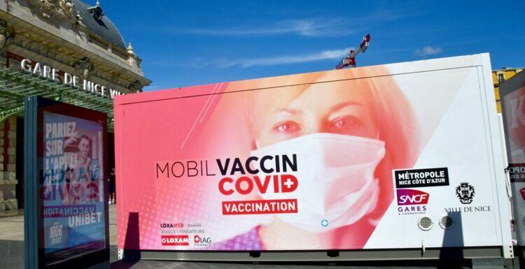 Coronavirus : le pass sanitaire va-t-il rendre la vaccination obligatoire ?