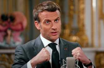 Emmanuel Macron a joué dans une série : il dit tout à McFly et Carlito ! (VIDEO)