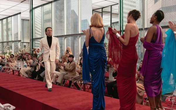 Halston, Gucci, Versace : les héritiers en guerre contre les biopics mode non autorisés