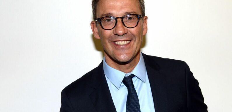 Julien Courbet : un escroc se fait passer pour lui et séduit une de ses fans