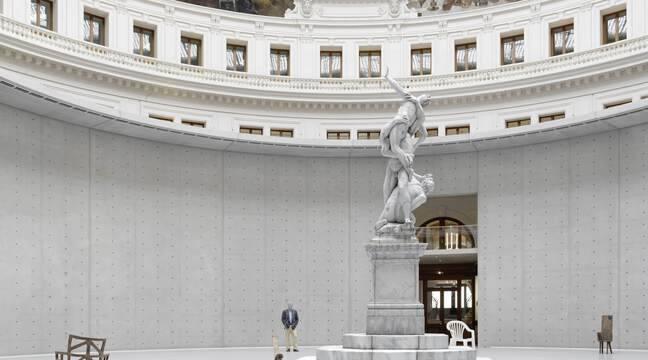 La nouvelle Bourse de commerce sublime la foisonnante collection Pinault