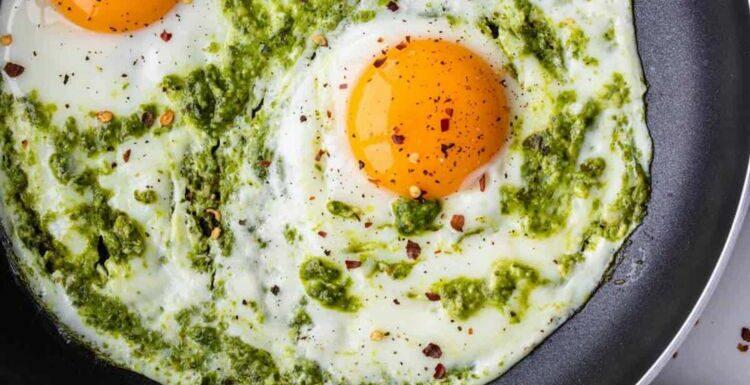 """""""Pesto Eggs"""" : la nouvelle recette tendance qui fait furreur sur Tiktok"""