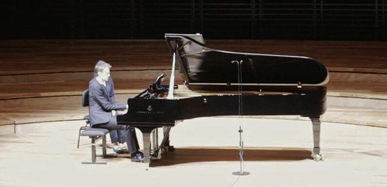 Piano : Alexandre Tharaud renoue avec le public à la Philharmonie de Paris