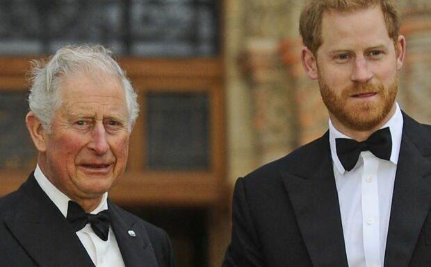«Une pompe à fric»: le prince Charles pas dupe de son fils Harry