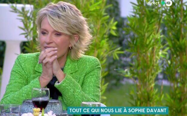 VIDÉO – «Une vraie femme»: Sophie Davant admiratrice de Simone Signoret