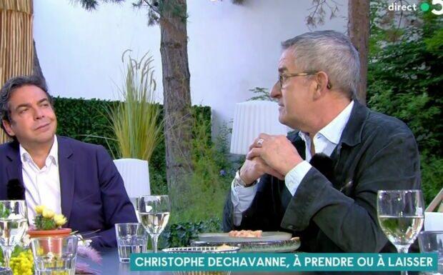 VIDEO «Je vous vois pouffer»: Christophe Dechavanne tendu face à Patrick Cohen dans C à vous