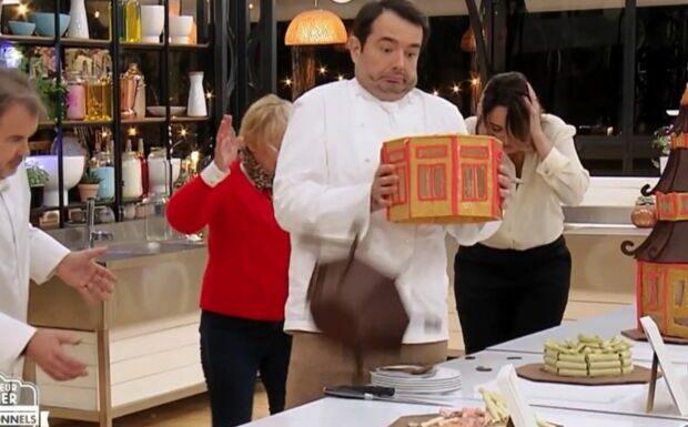 VIDEO Le Meilleur Pâtissier: Jean-François Piège détruit une pâtisserie par accident