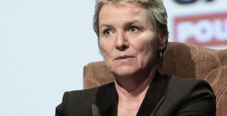 Elise Lucet : ce jour où elle a fondu en larme après avoir demandé une augmentation