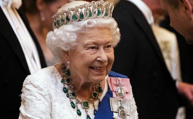 Elizabeth II: as de l'épée, elle laisse Kate Middleton et Camilla Parker Bowles bouche bée