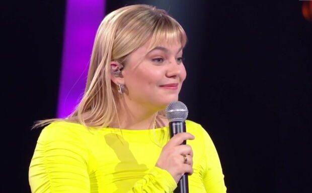 Louane piégée par son chéri Florian Rossi: surprise chez Alessandra Sublet