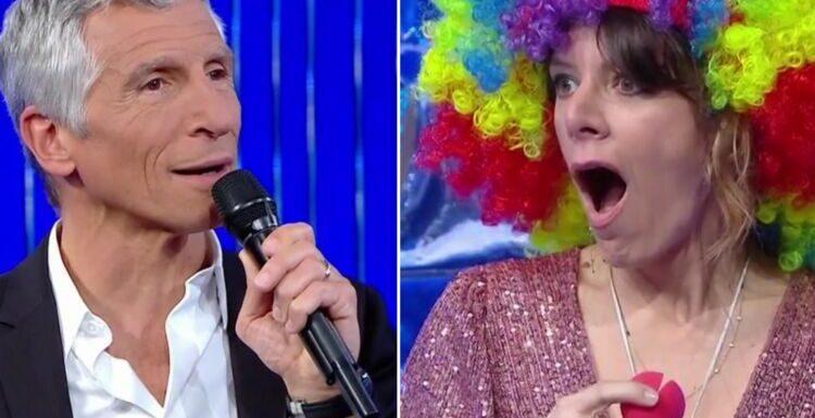 """Nagui et Magali Ripoll impressionnés par le talent (insolite) de la nouvelle maestro de """"N'oubliez pas les paroles"""" – VIDEO"""