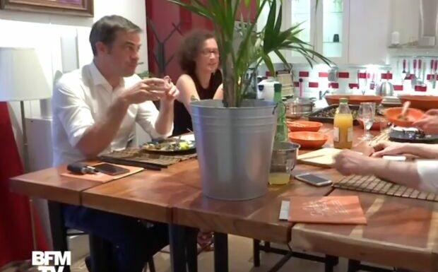 Olivier Véran au restaurant avec plusieurs ministres: il retrouve le sourire