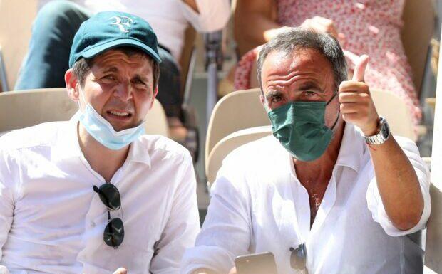 PHOTOS: Julien Clerc amoureux, Gad Elmaleh et son fils canon… Beau monde à Roland-Garros