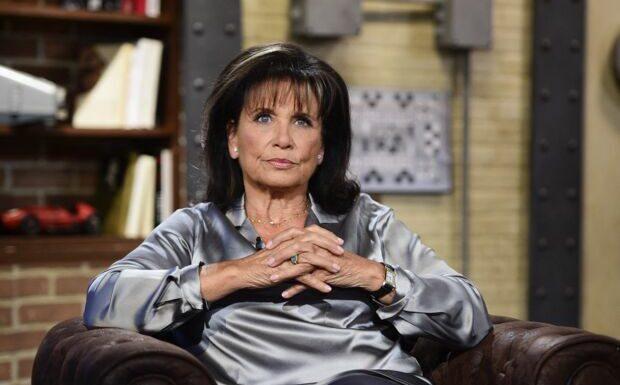 «Pas cap'»: Anne Sinclair revient sur cette fameuse proposition faite par François Hollande