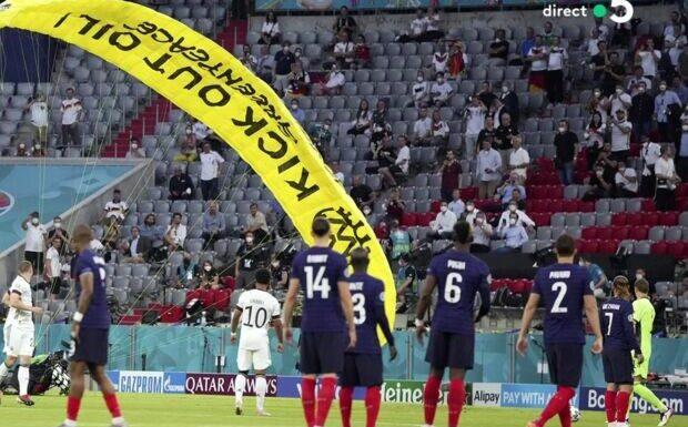 VIDEO Accident d'ULM avant le match France-Allemagne: pourquoi Greenpeace a présenté ses excuses à Didier Deschamps
