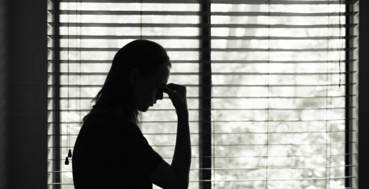 Violences conjugales: le gouvernement annonce six nouvelles mesures pour protéger les victimes