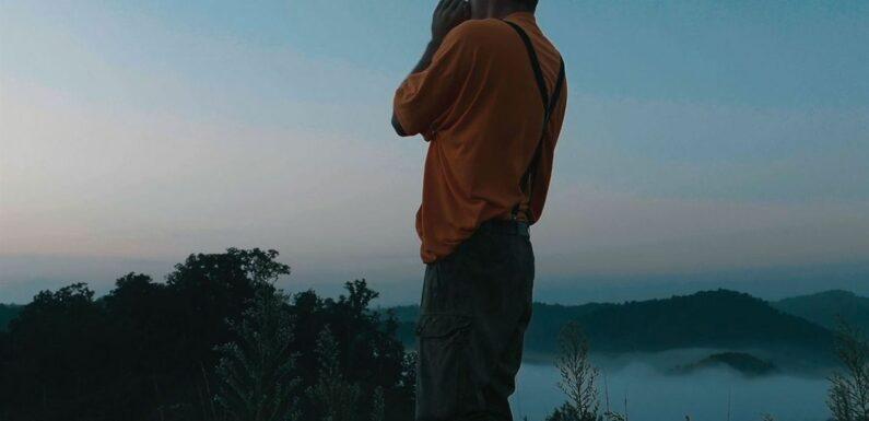 """""""The Last Hillbilly"""" : les """"péquenots"""" de l'Amérique profonde dans un documentaire sombre et poétique"""