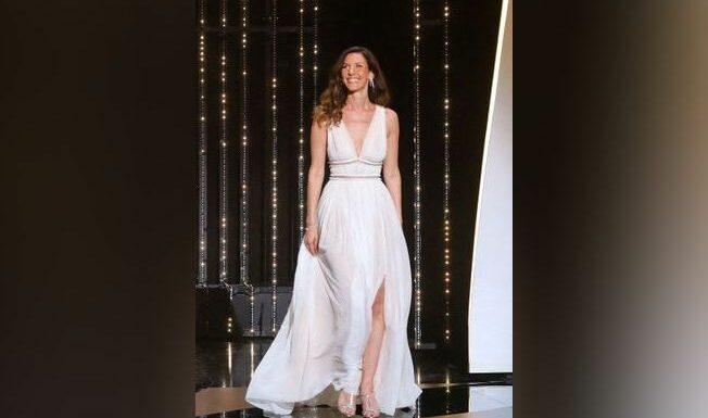 De Jeanne Moreau à Doria Tillier, les plus belles tenues des maitresses de cérémonie à Cannes