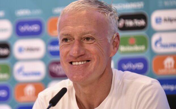 Didier Deschamps: cette photo du sélectionneur des Bleus torse nu qui fait le buzz sur Twitter