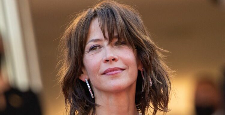 Festival de Cannes 2021 : cette journaliste est le sosie de Sophie Marceau !