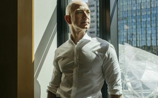 Jeff Bezos dans l'espace: Dany Boon se moque du milliardaire dans une vidéo hilarante