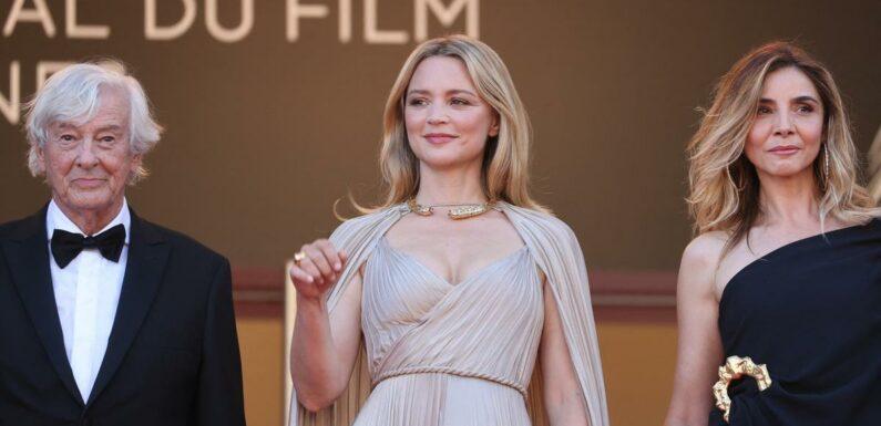 """Pour monter les marches du sulfureux """"Benedetta"""", Virginie Efira en odeur de sainteté à Cannes"""