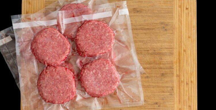 Rappel produits : risque de E.coli dans des steaks hachés vendus chez Casino et Leader Price
