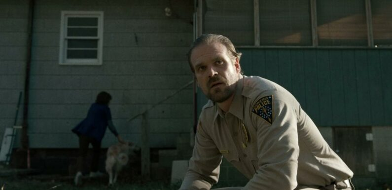 Stranger Things saison 4 : David Harbour tease la résurrection prochaine du shérif Hopper