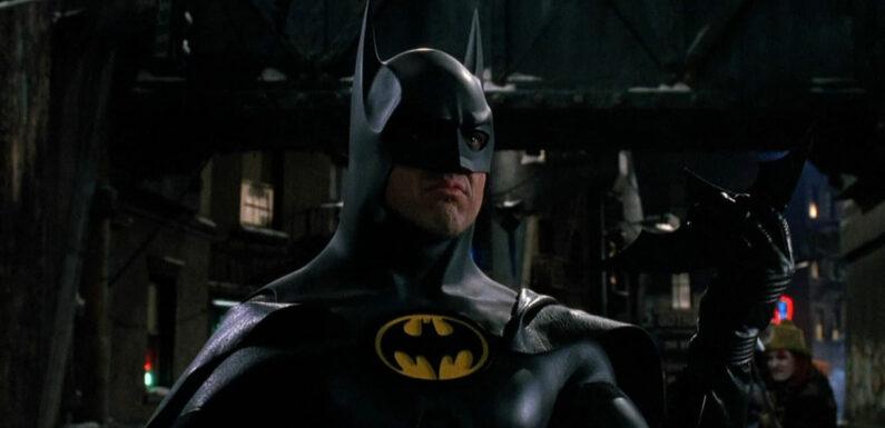 The Flash : des photos de la Batmobile et de la Batcave de Michael Keaton prises sur le tournage