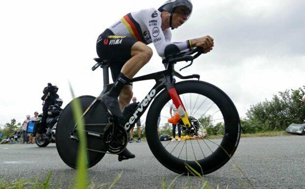 Tony Martin abandonne le Tour de France après une nouvelle grosse chute qui le laisse à terre