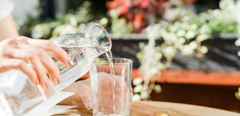Bouilloire en plastique, réutiliser sa bouteille… Les erreurs à ne pas commettre avec l'eau