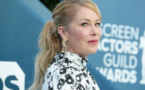 Christina Applegate (Mariés deux enfants, Dead to Me) révèle être atteinte de la sclérose en plaques