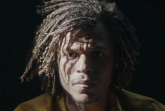 Demain nous appartient (spoilers) : grièvement blessé, Ulysse va-t-il survivre à la prise d'otage ?