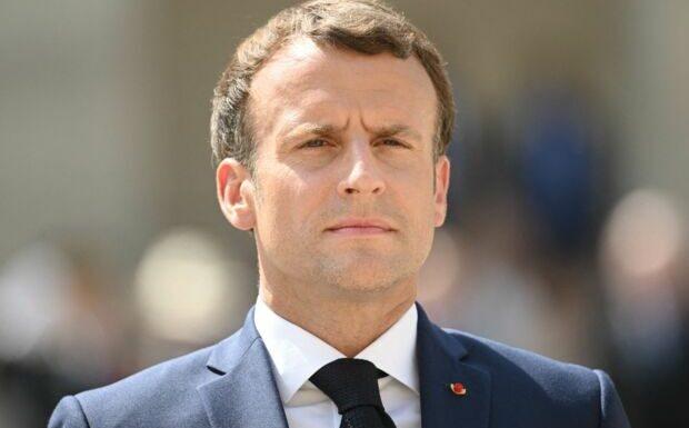Emmanuel Macron comparé à Pétain: cette nouvelle affiche qui fait scandale