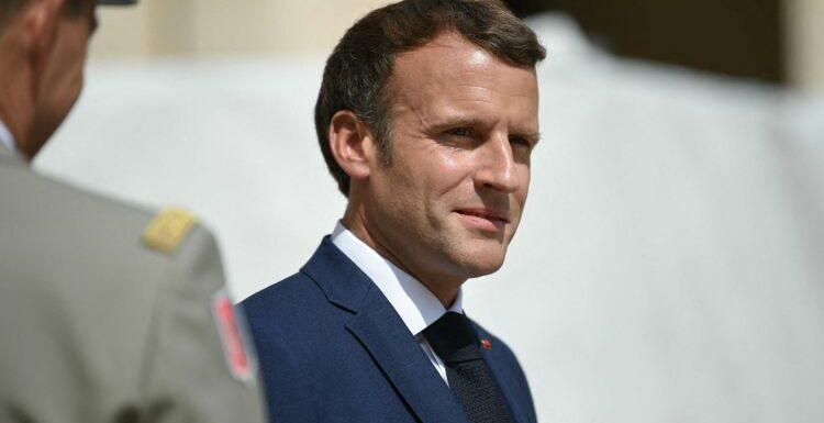 Emmanuel Macron laisse entrevoir le salon de Brégançon dans sa nouvelle vidéo pro-vaccin