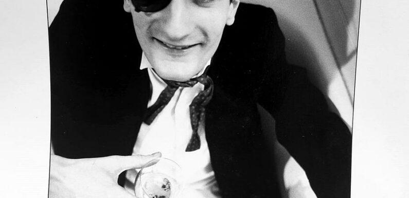 """Frédéric Beigbeder : """"À 16 ans, j'avais un look super coinços avec raie sur le côté et blazer bleu marine à boutons dorés"""""""