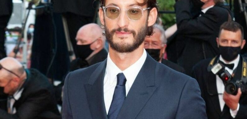 """L'acteur Pierre Niney rembarre une internaute qui """"cherche quelque chose de dur"""" : un message classé X et une réponse digne de ce nom !"""