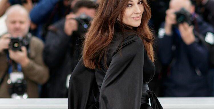 Monica Bellucci sexy en body moulant et talons aiguilles : une vraie pin-up