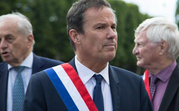 Nicolas Dupont-Aignan outrancier: ce tweet qui choque les médecins