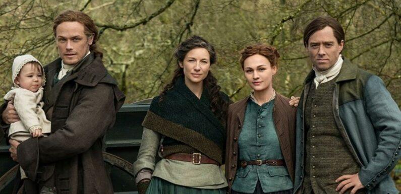 Outlander saison 6 : Jamie Fraser ultra complice avec son petit-fils sur une photo de tournage adorable