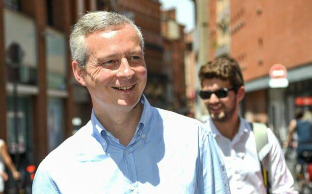 PHOTO – Bruno Le Maire en short: le ministre détendu pour ses derniers jours de vacances