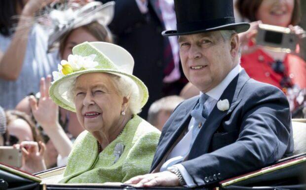 «Un gros merdier»: le prince Andrew met Elizabeth II dans l'embarras