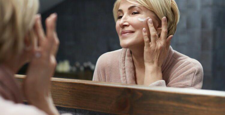 A la ménopause, faut-il modifier sa routine beauté ?