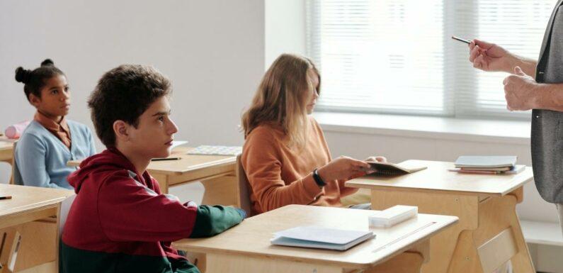 #Anti2010 : Jean-Michel Blanquer condamne la vague de harcèlement dont les élèves de 6esont victimes