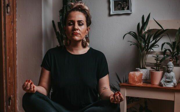 Bien-être – Quatre postures de yoga pour un rituel anti-stress
