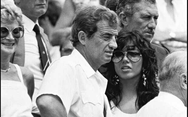 Carlos Sotto Mayor, dernier amour de Jean-Paul Belmondo, répond aux attaques dont elle est la cible
