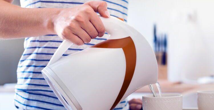 Chauffer l'eau deux fois de suite dans sa bouilloire, c'est risqué ?