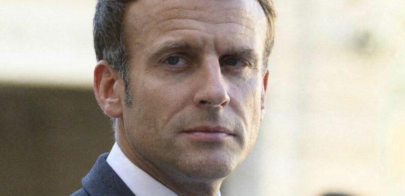 Emmanuel Macron : le Président de la République victime d'un jet d'oeuf durant un déplacement à Lyon
