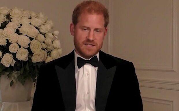 Harry «se considère comme un leader mondial»: le prince décrypté